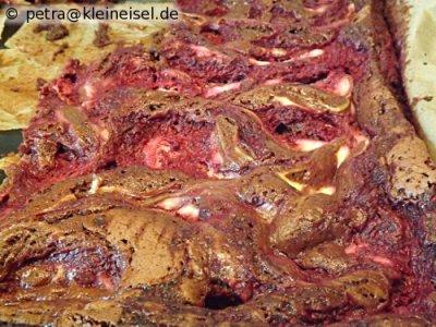 Traumhafte Brownies mit Himbeeren und Frischkäse