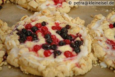 Hefe-Pudding-Obst-Träume mit Streuseln