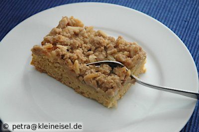 Rhabarber-Marzipan-Streusel-Kuchen - vegan